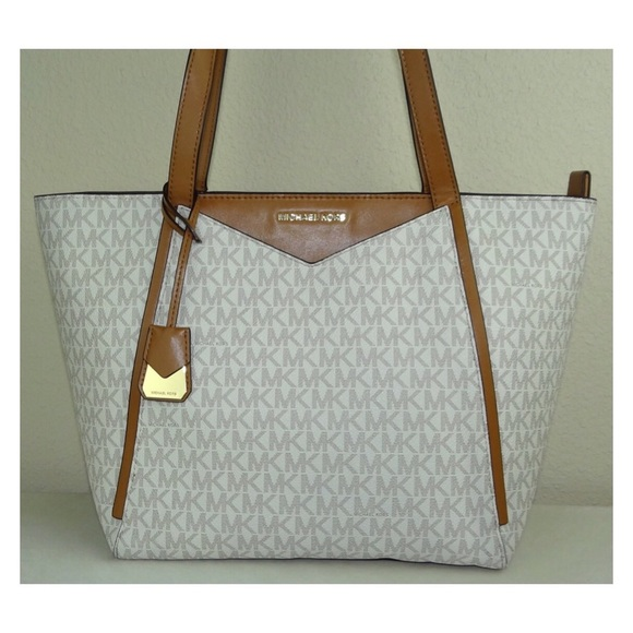 82901697b4e3 MICHEAL KORS WHITNEY SMALL LOGO TOTE. M 5b8882de4cdc30f9466731a9. Other Bags  you may like. Michael ...